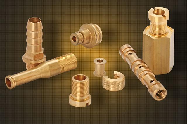 Zu sehen sind diverse Ersatzteile aus Metall